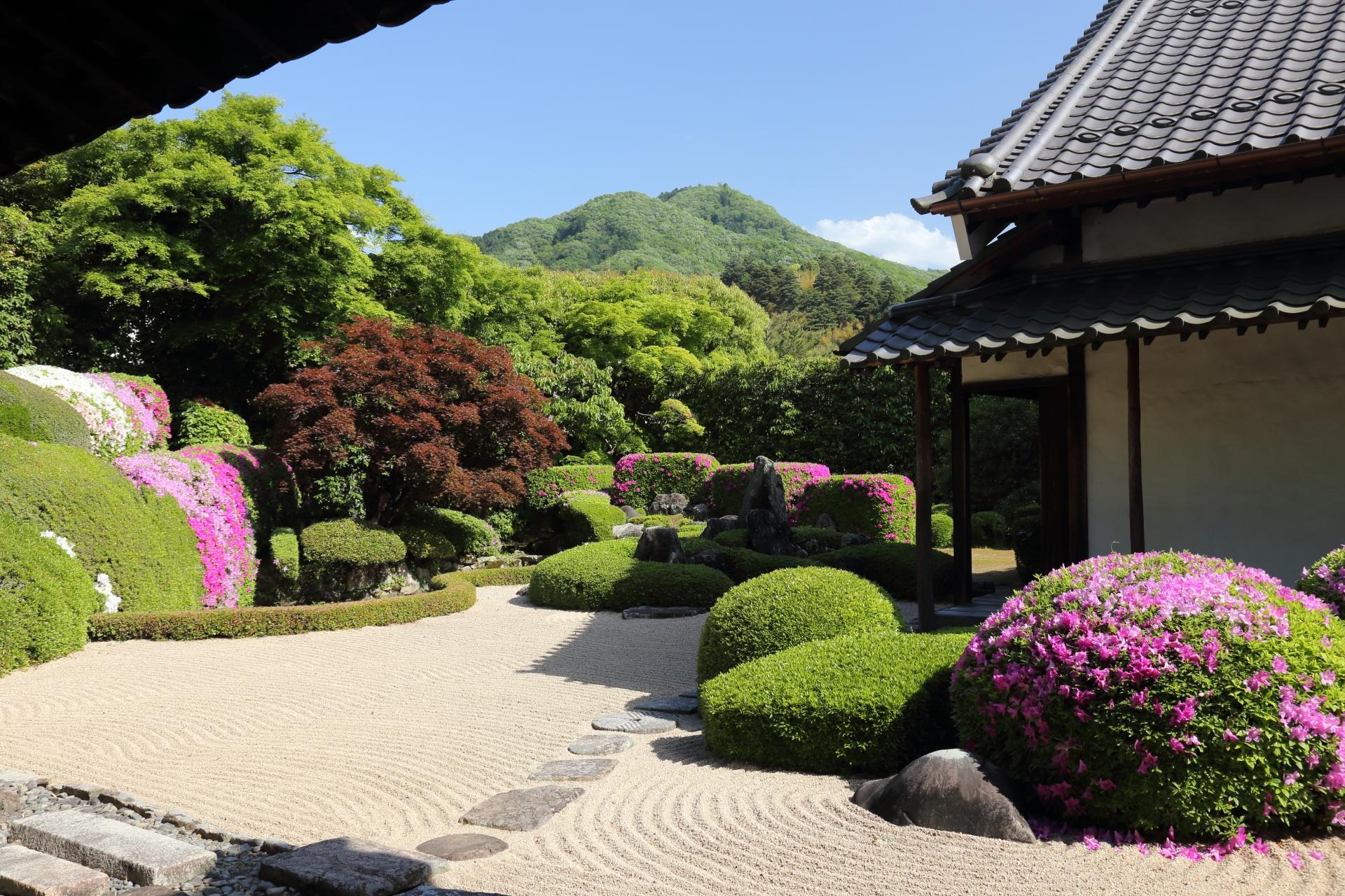 頼久寺庭園の枯山水