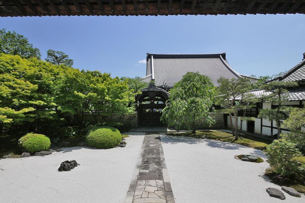 妙顕寺庭園の枯山水