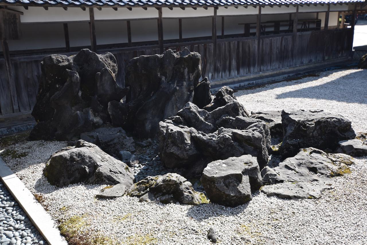 国泰寺の枯山水06
