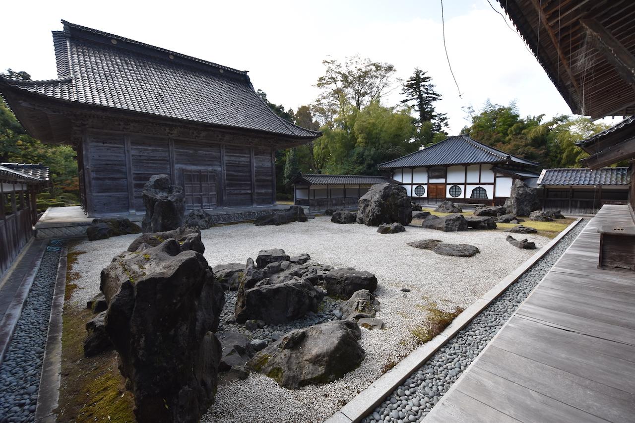 国泰寺の枯山水09