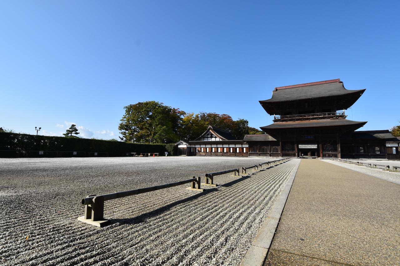 瑞龍寺の石庭