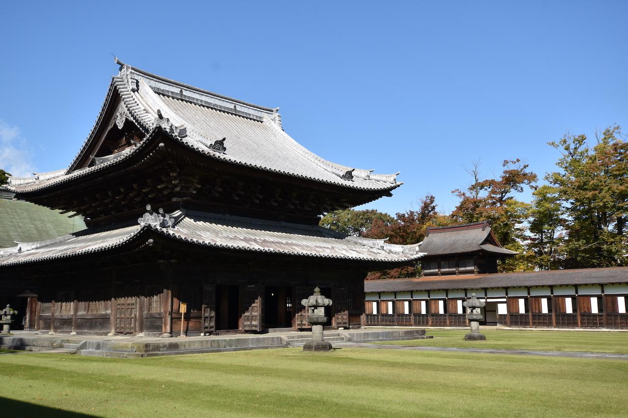 瑞龍寺の仏殿(国宝)